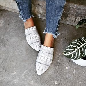 Shoes - 🆕️//The Marcy// grey plaid mule flat